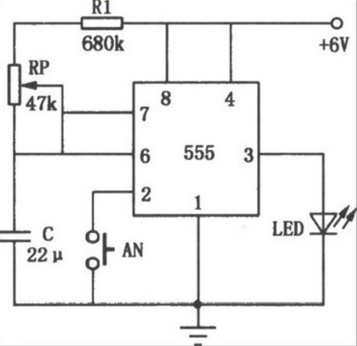 如何制作一个555计时器的电路板?包括用什么电子元件
