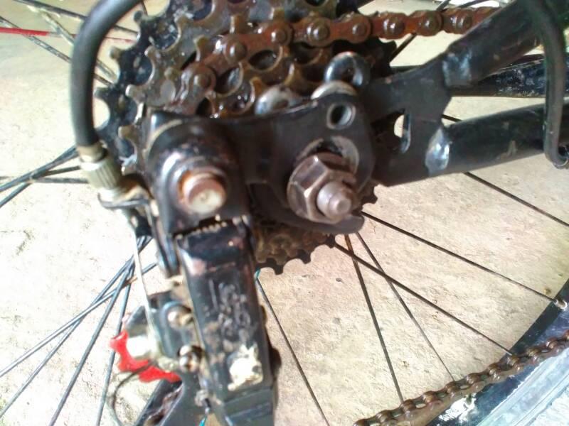 自行车后面的变速器怎么装?