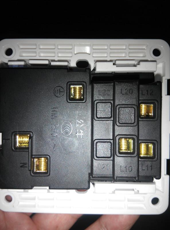 公牛86型g07e334 5孔1开关插座,开关控制插座接线图