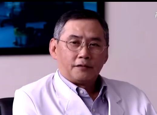 以前任用看的新加坡电视剧里有他~最近的《青年医生》里他演个主主演间谍片李幼斌记得的电视剧图片