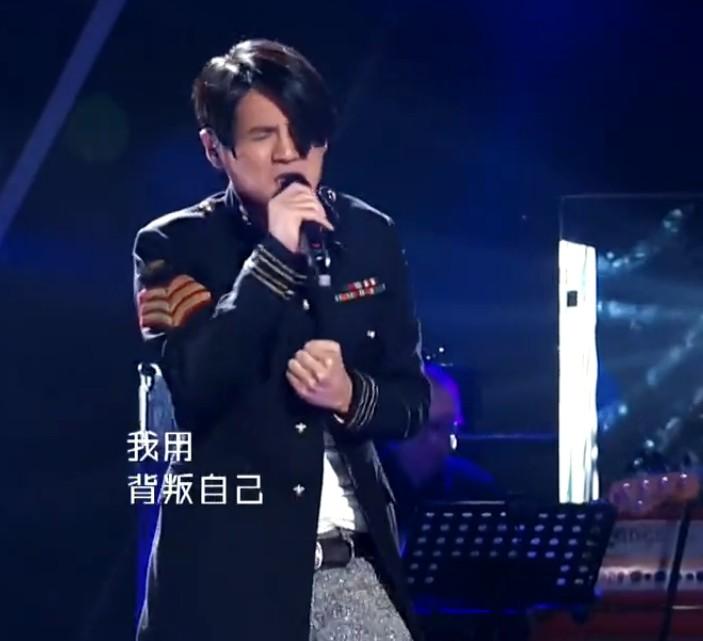 我是歌手第二季第_曹格我是歌手第二季外套,有谁知道是什么牌子的