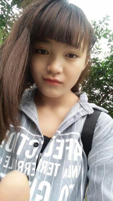十六七岁的女孩子染什么头发显得可爱白一点