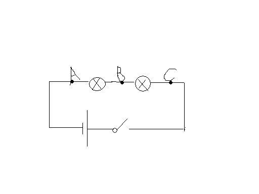 在探究串联电路的电压规律的实验中,要测量各个灯泡两端的电压及电源