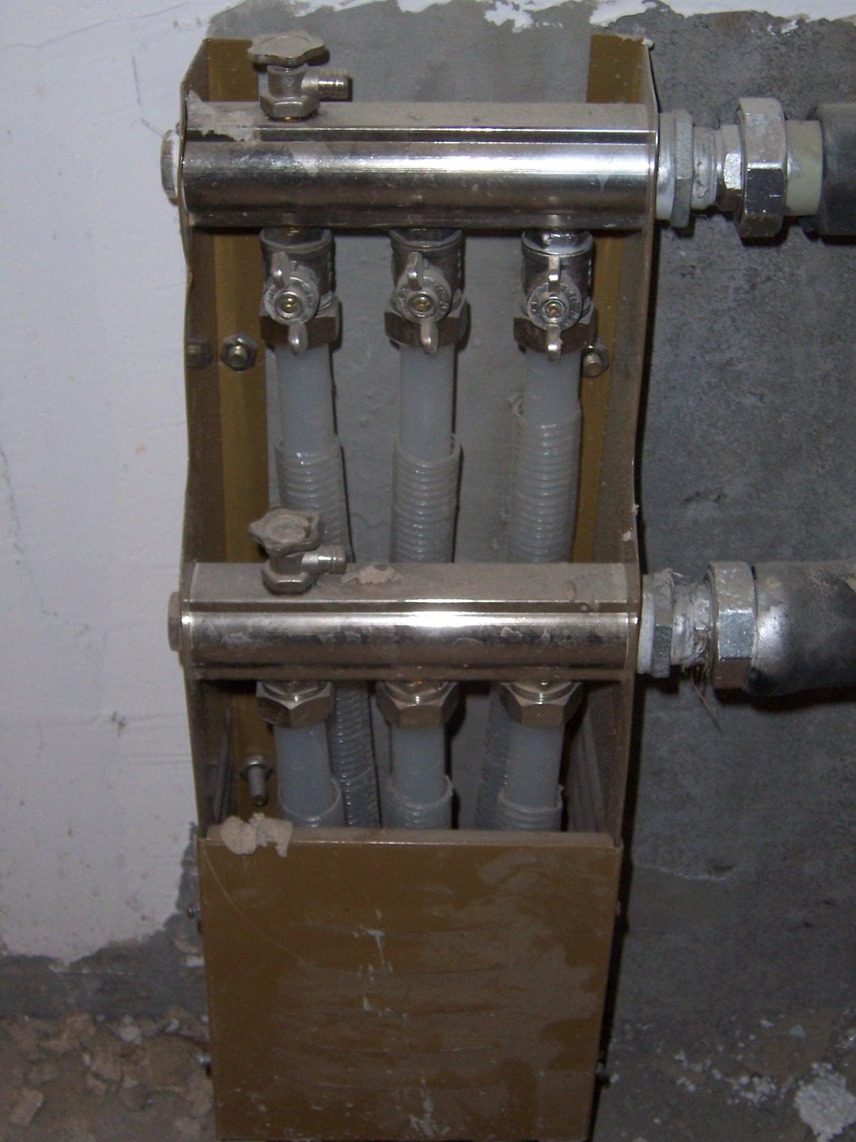 请问,这种分水器上的开关,向哪个方向转,是打开?图片