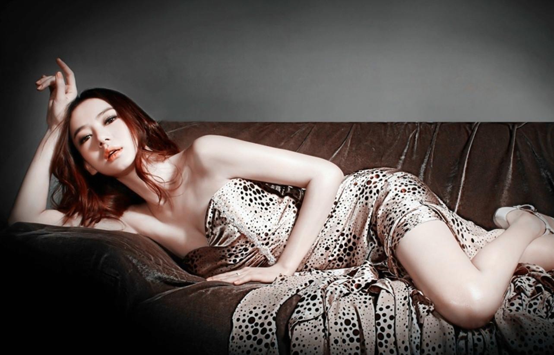 qq美女背景图片1280x822性感拼图别墅图不要横躺怎么空间性感插入图片