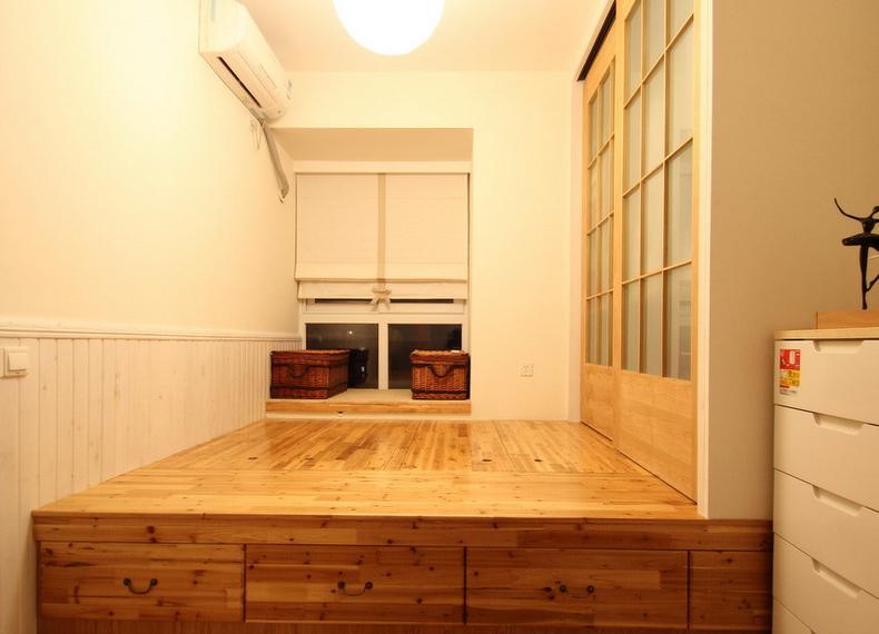 小卧室放榻榻米地台好还是放床好? 8平米卧室装修要睡
