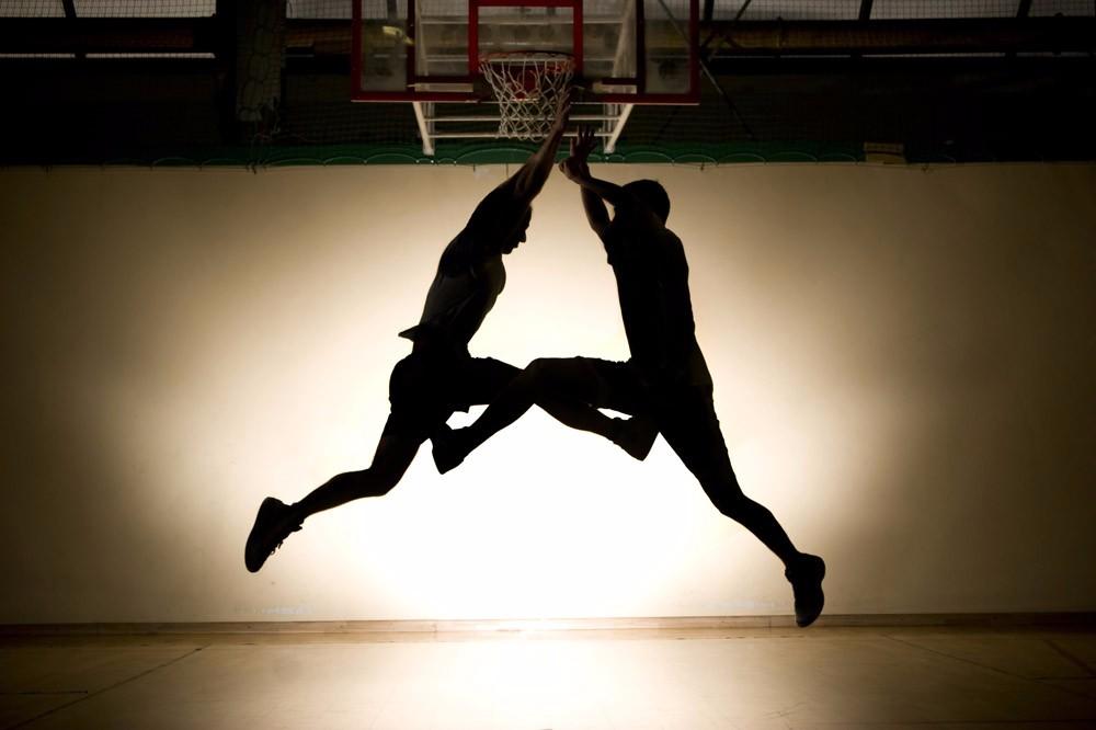谁有qq照片墙八张关于篮球
