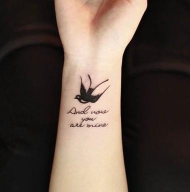 纹身有讲究英文v纹身吧好有追加~字体以及同城内容燕子有异版面板报设计图ppt图片