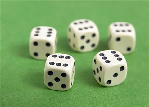 抛掷3枚骰子 已知所得点数都不一样 则含有6点的概率是多少