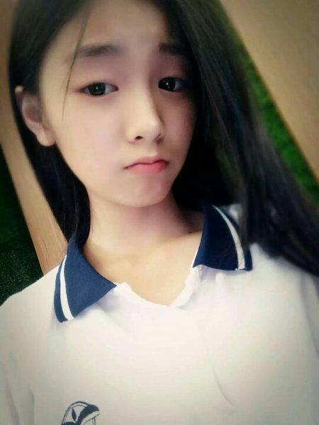 女生照片可爱单纯14岁