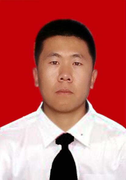 求帮忙把照片ps成白衬衫,黑领带 背景还是红色 在线等