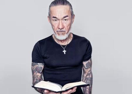 不良牧师,纹身达人—arthur hollands.图片