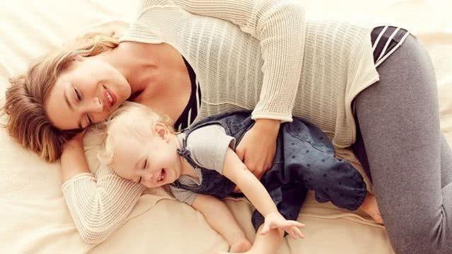 一孕傻三年?国外研究:生孩子能让母亲大脑变年轻,生得多越年轻的头图