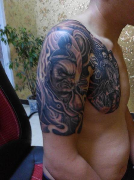 我特么今年31  去年背上纹的 钟馗, 上个月 纹的半钾 巨灵神和大力神图片