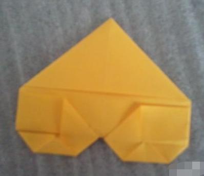 正方形折纸怎么折爱心