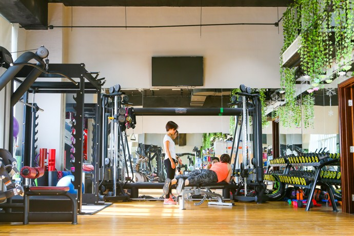 【私人健身教练工作室团购】_私教健身单人产