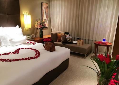 酒店生日房间怎么布置_生日酒店房间怎么布置_百度知道