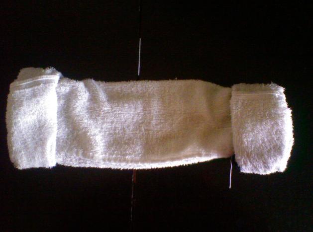 叠毛巾帽_如何用毛巾裹头发 一边一个球这种的_百度知道