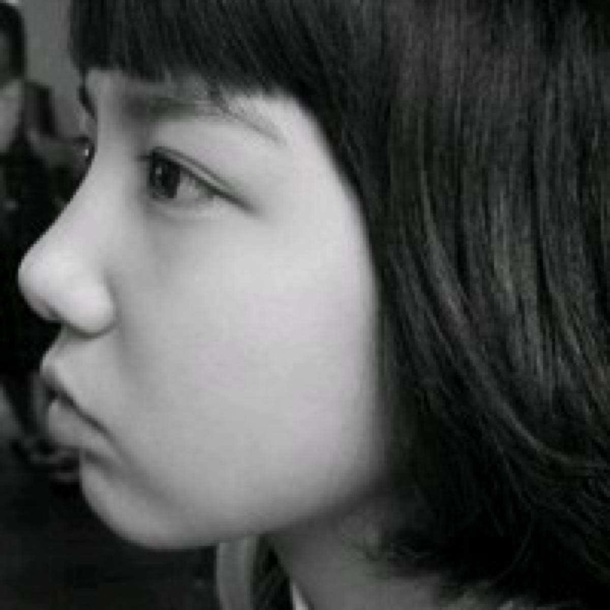 成熟黑白侧面美女头像_求几张黑白头像女生侧面_百度知道