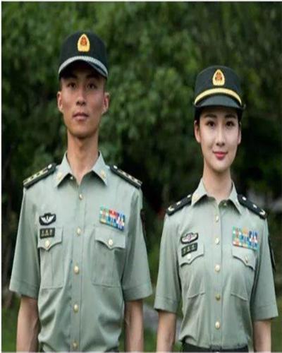 陆军军官短袖夏常服_07式军官和士兵的夏常(短袖衬衣)有区别么_百度知道