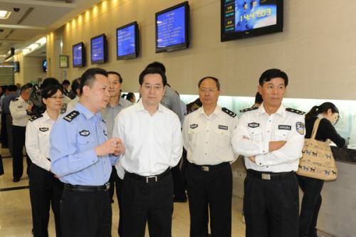 上海市出入境理局官网_上海 出入境管理局官网_上海出入境管理局电话