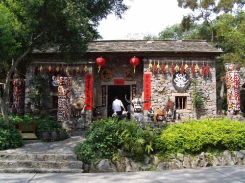 锦绣中华民俗村好玩_世界之窗和锦绣中华民俗村哪个好玩_百度知道