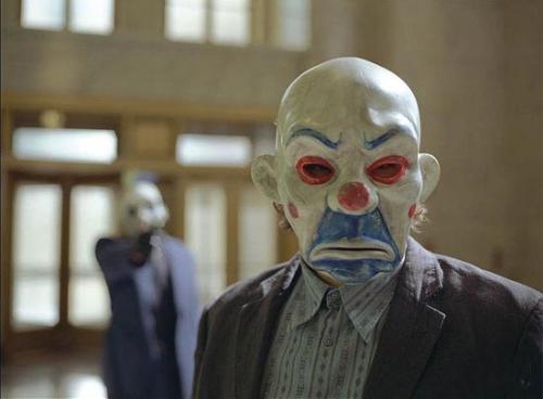 蝙蝠侠2小丑_在蝙蝠侠前传2,打劫银行戴的那些小丑面具,哪里有卖? 如图 ...