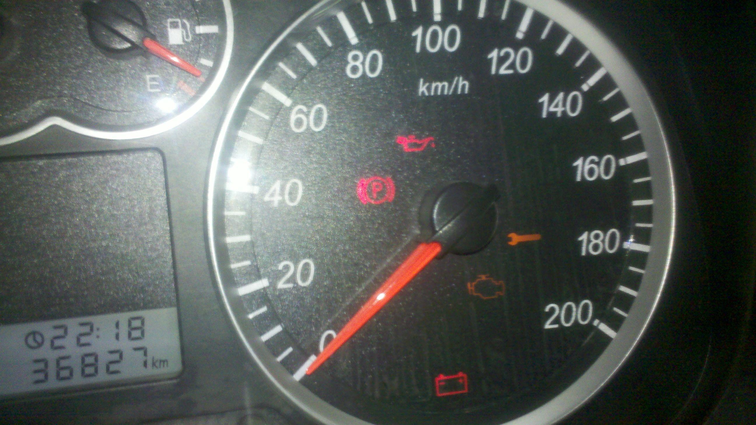 汽车电瓶_汽车仪表指示灯问题:图片是我汽车接通电源后几个灯都是长亮 ...