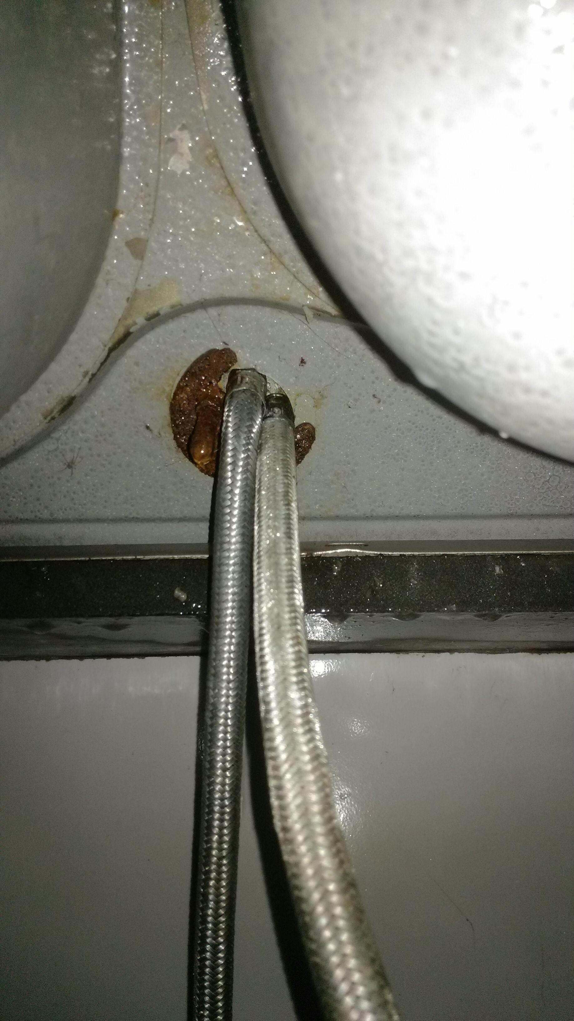 手打玻璃的图片_厨房的水池水龙头底下漏水,该怎么修啊?_百度知道