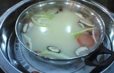 用火锅底料烫青菜吃会长胖吗?
