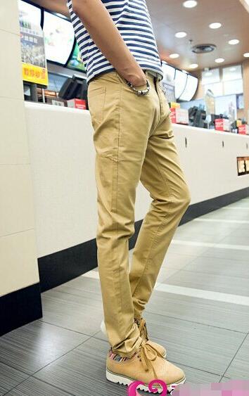 浅棕色短靴搭配_请问男的卡其色裤子怎么搭配鞋子?_百度知道