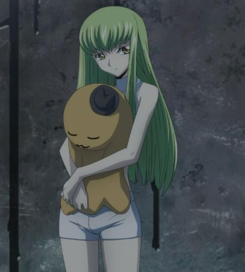 求头像,女生抱着毛绒玩具的,最好是动漫啊,卡通什么的图片