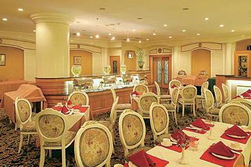 中餐礼仪中方桌如何安排座位?