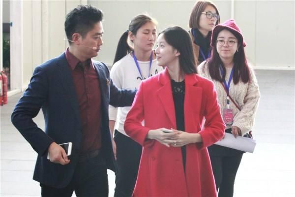 网传章泽天和刘强东已离婚,是否确有此事?