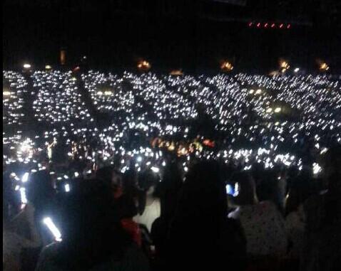 行星饭们 求exo演唱会银海的照片,越多越好 照片好的加分哦