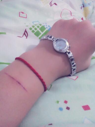 女生割手的图片_给我找一张十六岁的女孩子真实手流血的图片_百度知道
