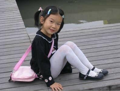 小女孩白袜内内照片_小女孩白袜图片_百度知道