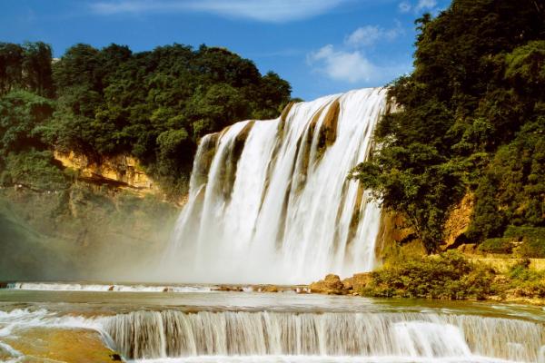 什么时候去看黄果树瀑布最好?