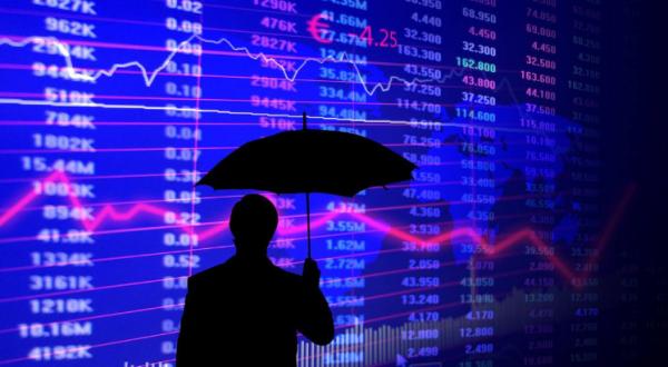 【投机客】是什么造成的中国股市基本都是投机者,什么造成的中国股市成了有钱人的圈钱工具。
