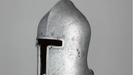 让15世纪意大利巴布塔什盔告诉你:情怀在战争面前一文不值