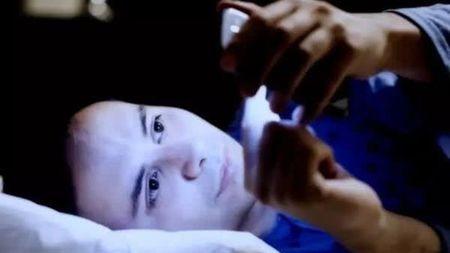 玩手机会导致黄斑变性进而造成失明?专家:这 不可信