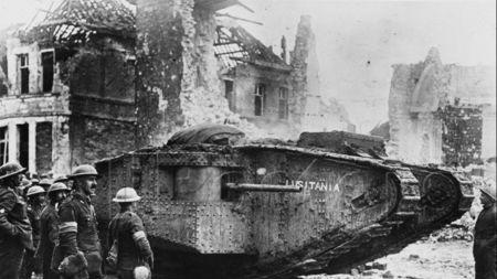 二战英国坦克战术奇葩?10米长80吨重的怪物只为跨战壕?