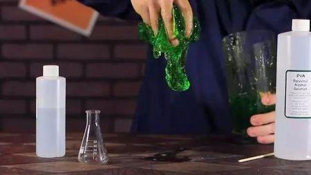 这八个炫酷的小实验,不用去实验室,在家就能做!