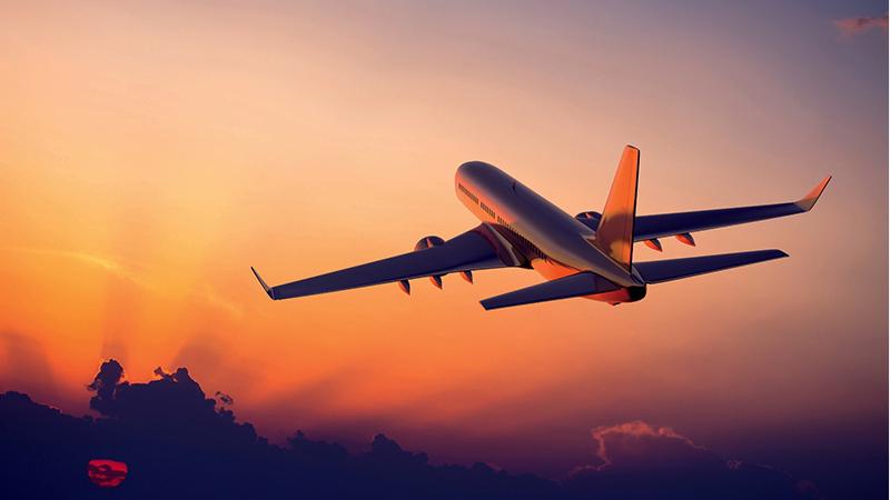 经常坐飞机的人老得慢吗?