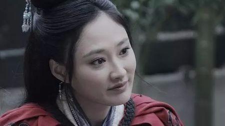 三国时期,蔡文姬才貌双全,为何曹操只能垂涎却不敢有非分之想呢