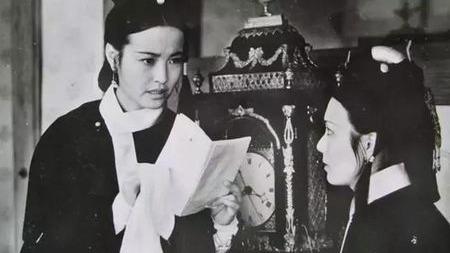 慈安太后在45岁突然去世,是毒害还是暴病呢?的头图
