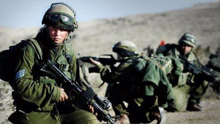 兼顾AK和M16优点,却被本国特种兵嫌弃:以色列加利尔步枪