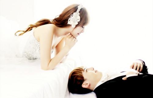 亚当夫妇 挑选婚纱_韩国亚当夫妇婚纱照