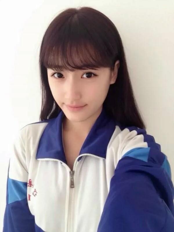 高中漂亮女生照片_求一张17岁左右少女的图片_百度知道