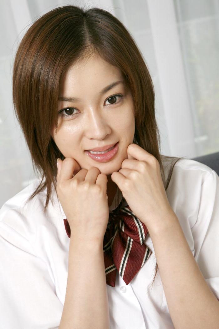 日本小姐上门服务被强奸_请问各位大神这位美女叫什么名字